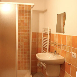 Bagno in baita appartamento Piemonte