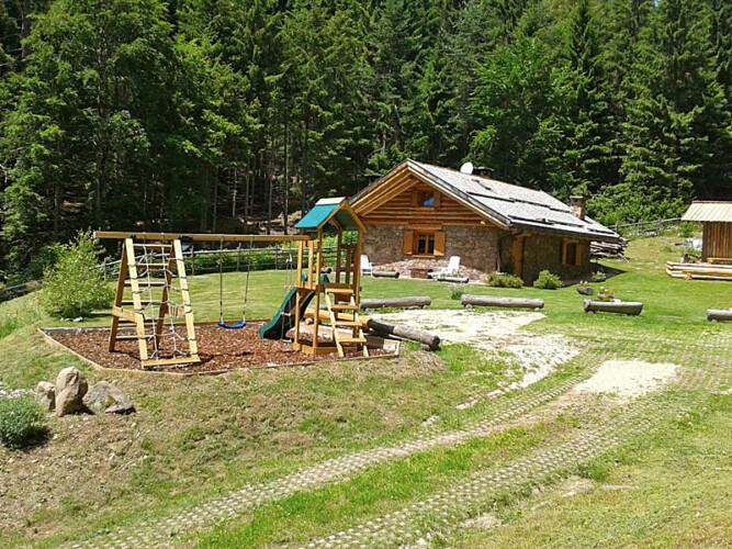 baita Alto Adige con parcogiochi