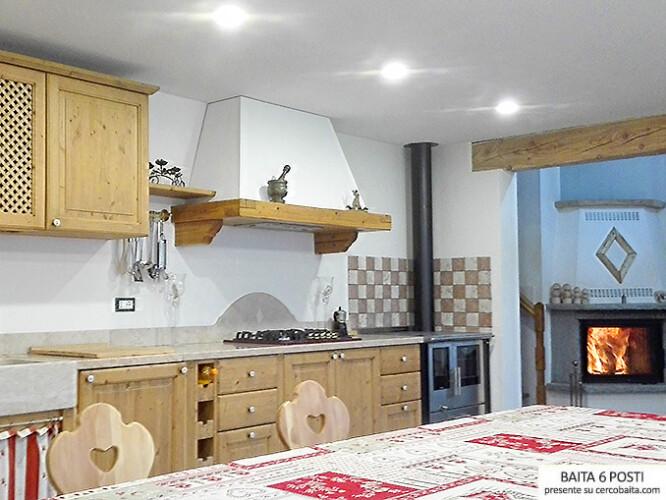 affitto baita Val Calamento cucina
