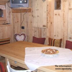 cucina baita Rendena in affitto