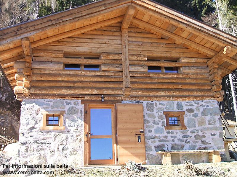 Classica baita in localit pizaborne trentino alto adige for Baita di legno