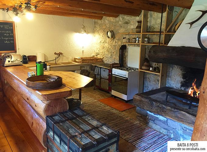 cucina baita affitto San Martino di Castrozza Trentino